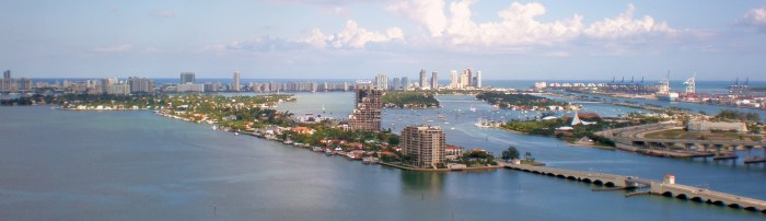Venetian_Causeway_South_Beach
